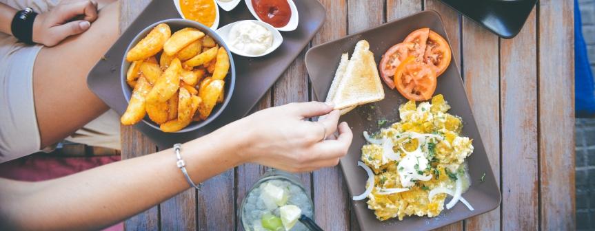 food-salad-restaurant-person (4)